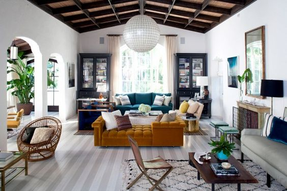 4 useful tips to decorate large living rooms